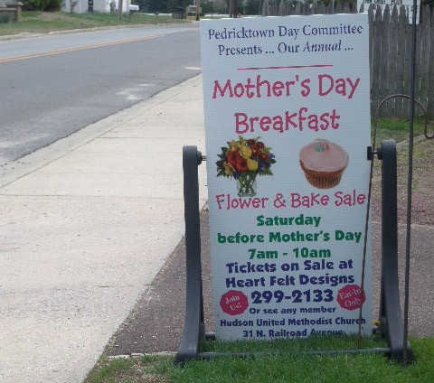 MothersDayBreakfastSign